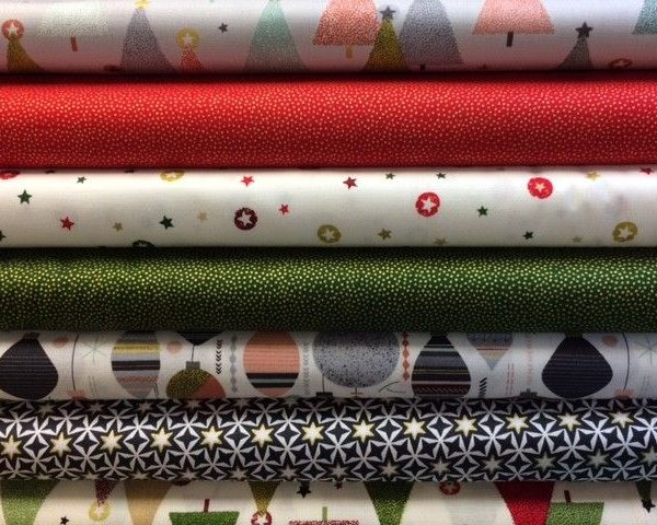 Makower-Modern-Christmas-Metallics-100-Cotton-by-the-half-metre-263283069182