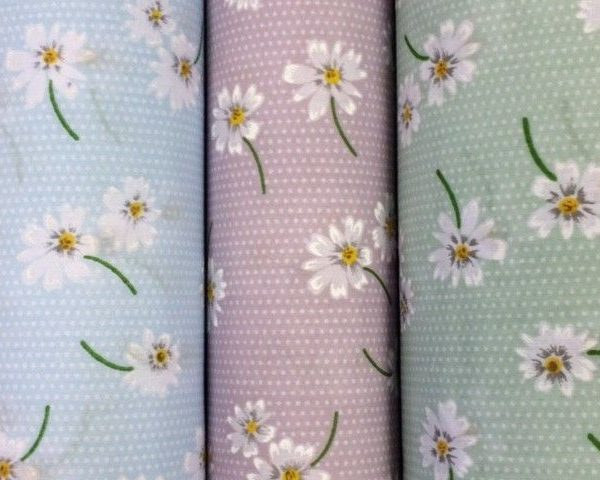 Daisy-Polycotton-Green-Blue-or-Lilac-45-wide-fabric-by-the-half-metre-253222375263